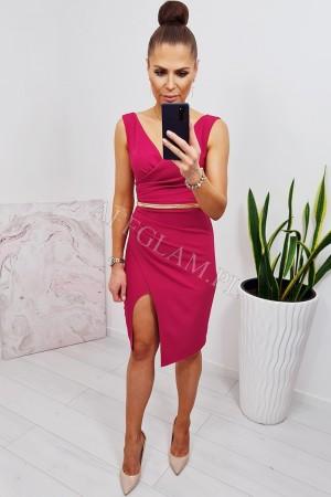 Sukienka ołówkowa z dekoltem i rozporkiem sindi krótka karmin